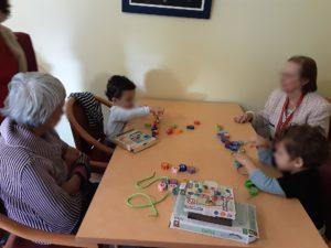 Partage intergénérationnel autour d'activités montessori EHPAD Bésayes